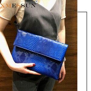 Image 1 - 2020 yeni el çantası katlanır zarf çantası kadın avrupa ve amerikan Trend yılan desen el vahşi parti çantası damla nakliye F47