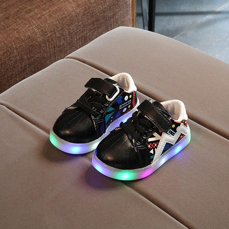 2018 Nieuwe gloeiende schoenen Meisjes LED-verlichting schoenen - Kinderschoenen - Foto 2