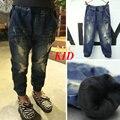 2016 Зимние джинсы девушки дети термоусадочная упругие ноги рваные джинсы синие брюки флис джинсы для детей проблемных джинсовые брюки KD139