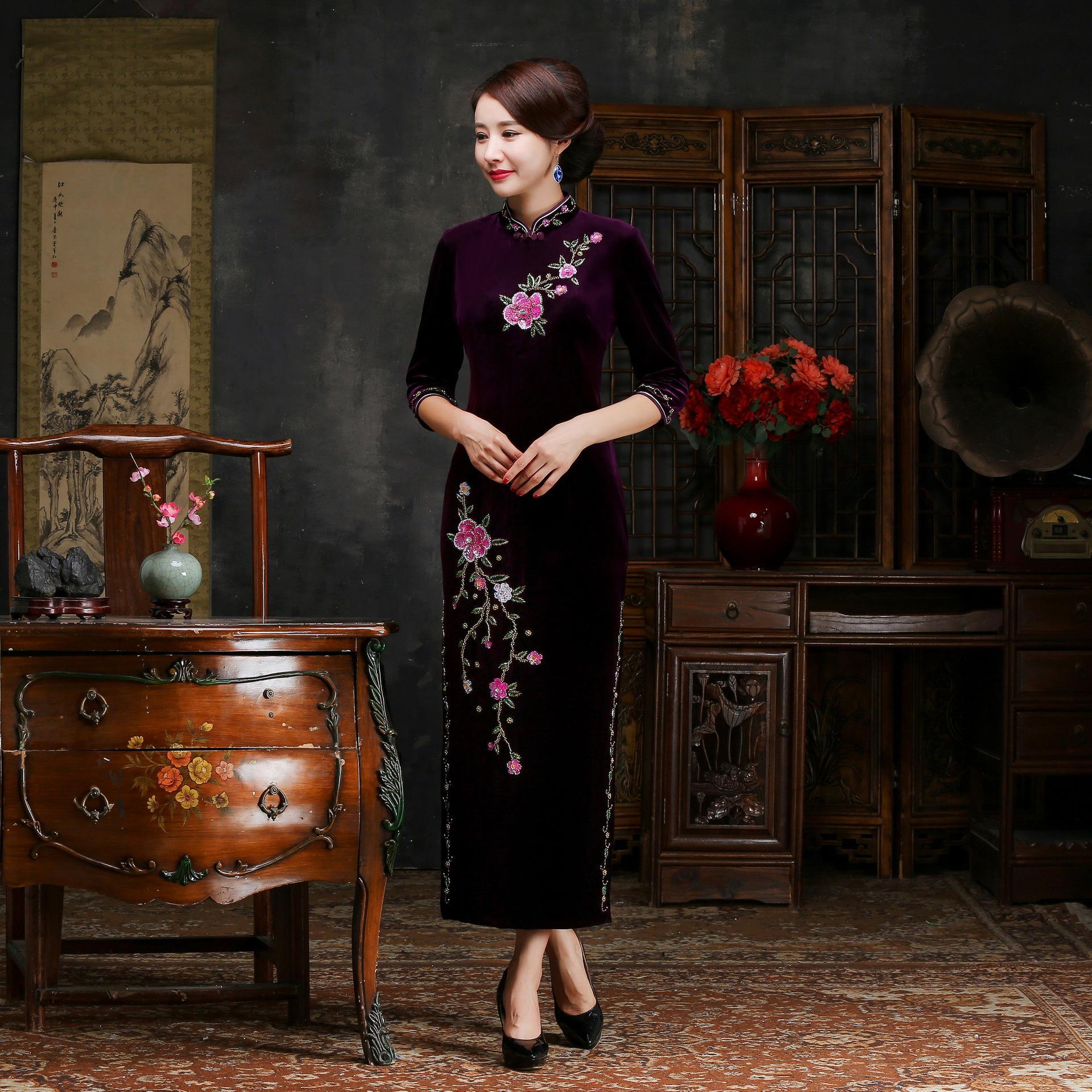 Осень зима для женщин вышивка Qipao пикантные высокие разделение Cheongsam Oversize 3XL 4XL Винтаж ручной работы и пуговицы платье Vestiidos - Цвет: Purple Long
