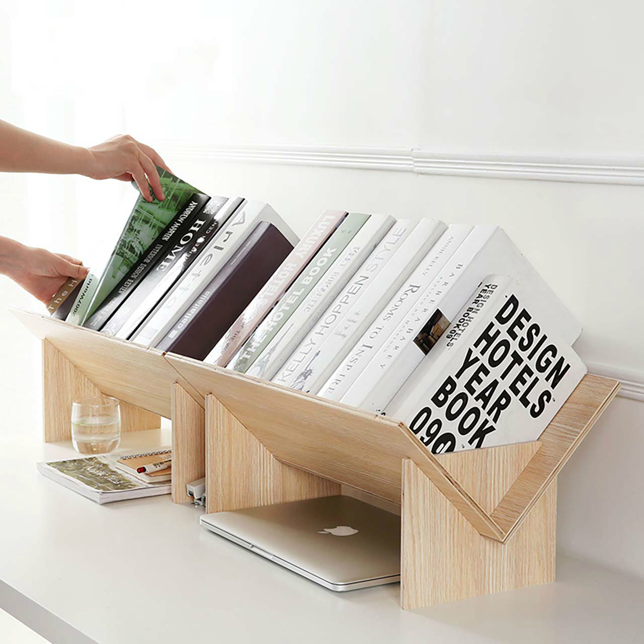 Solid wood bookshelf simple table floor small bookcase Desktop storage rack small bookshelf storage rack