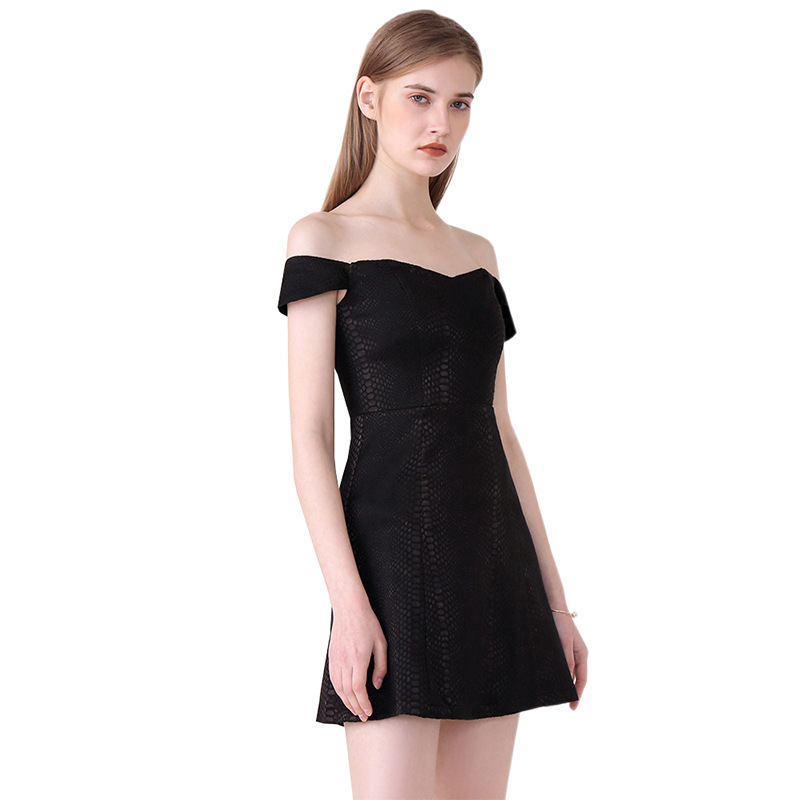 2018 Summer New Women's Dress One-Shoulder Solid Short-Sleeve Dress