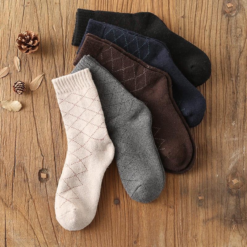 Mantieqingway Classic Wool Socks for Mens Adult Plaid Printed Sock Casual Business Winter Autumn Warm Thick Dress Socks