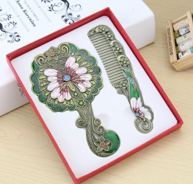Classic Retro Vintage Butterfly Makeup Mirror Compact  Cosmetic Held Hand Mirror with Hair Comb