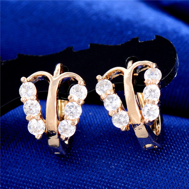 SHUANGR Gold-Color Animal Butterfly Full Clear Crystal Small Huggie Hoop  Earrings Jewelry for Girls 903be3a9a196