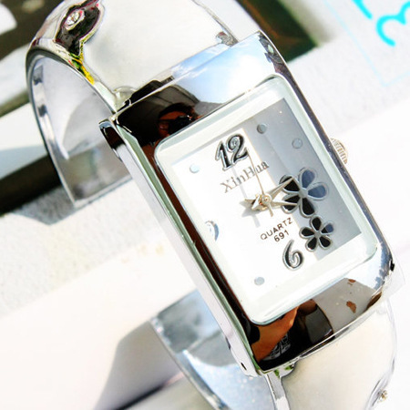 Luxury Silver Watch Women Lady luxury nobler Fashion black squareness Dial flowe