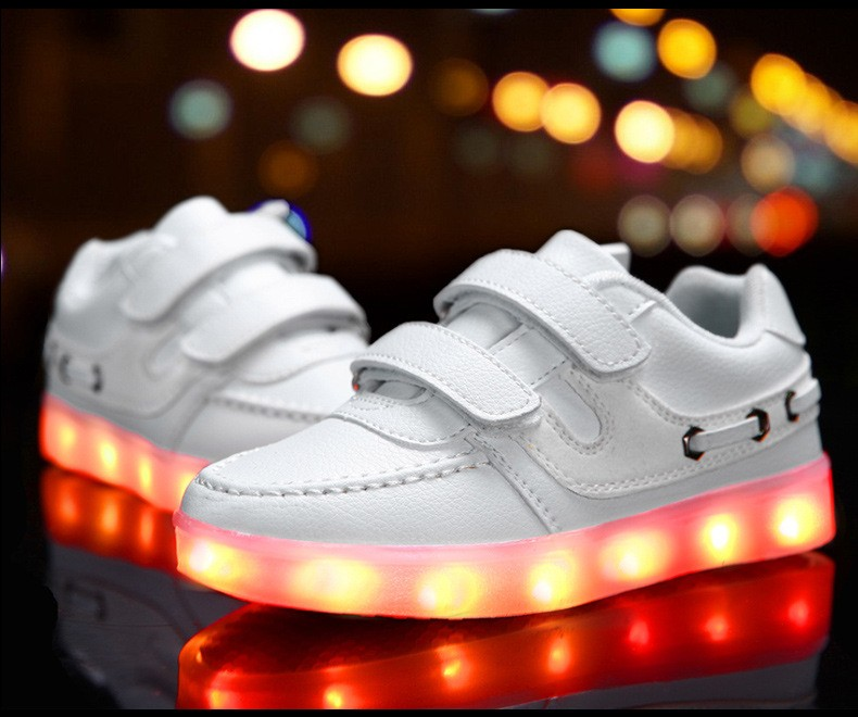 Children shoes with light 17 baby boys girls LED light shoes kids breathable fashion sneakers glowing USB charging shoes 4