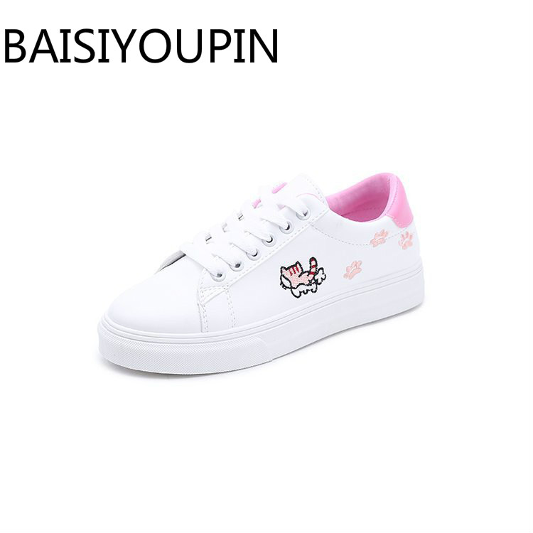 2018 New Small White Shoes Embroidered Cartoon Cat Footprints Flats Shoes for Girls Casual Shoes Student Sports Skate Shoes