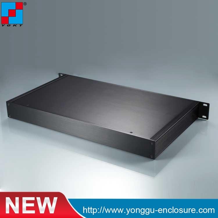 YGH-003 482*44.5-д (ШхВхГ) шасси 1U для монтажа в стойку алюминиевый теплоотвод , алюминиевый корпус Электропитание корпус
