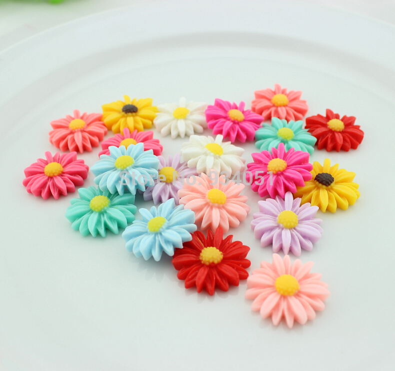 Set of 100pcs Bloom Cute Daisy Flower Flatback Cabochons Cab 26mm for Cell Phone Decor, Hair Accessory, DIY Free Shipping