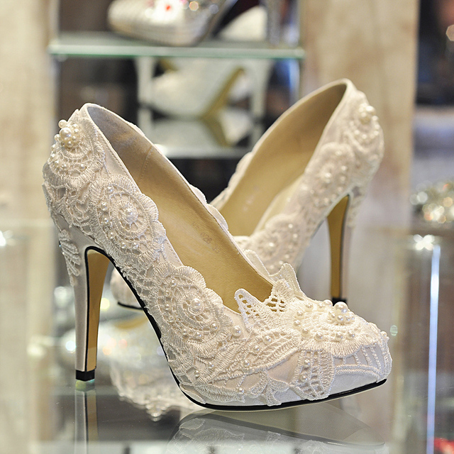 Wedding Bridal Heels: 2015 Romantic Aesthetic Pearl White Lace Wedding Dress