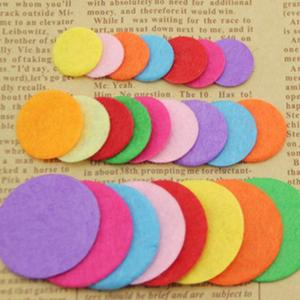 200pcs non-woven cotton fabric 2cm round small pieces of pattern package sewing pet doll scrapbook stickers handmade crafts