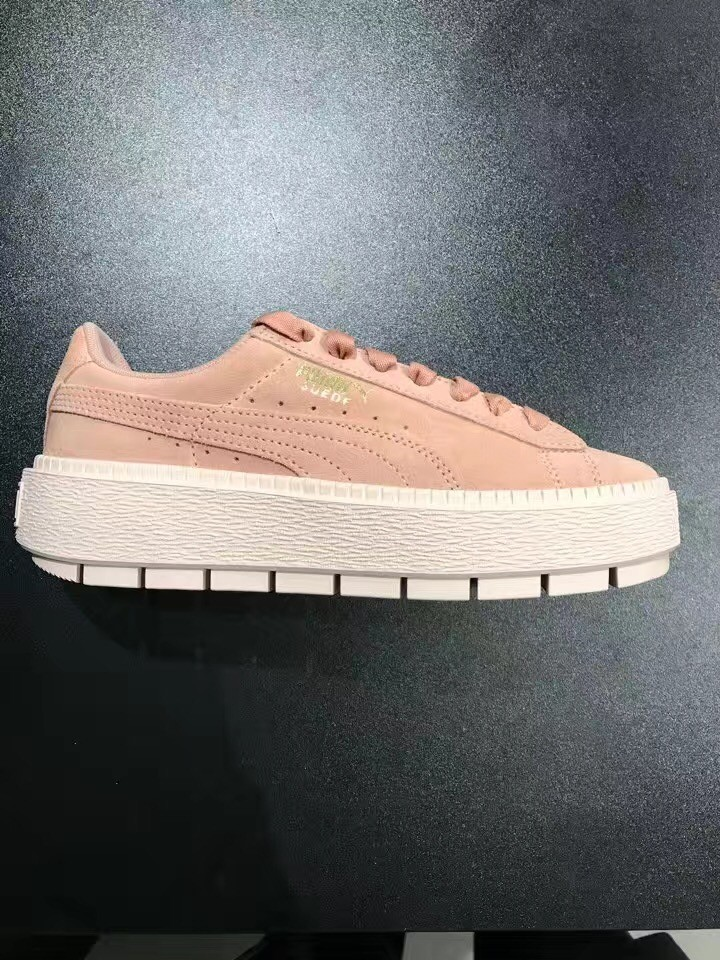 2018 PUMA FENTY Suede Cleated Creeper Women s First Generation Rihanna  Classic Basket Suede Tone Simple Badminton Shoes 36-39 7a3e2ccd7