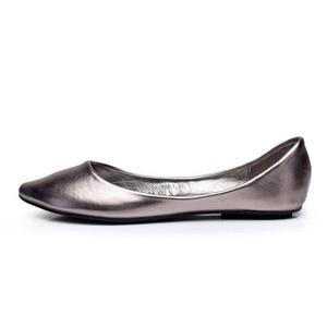 Image 2 - Plus Size 35 41 Fashion Flats for Women 2016 Pointed Toe Soft Outsole Flat Heel Shoes Single Street Fashion Flats Free Shipping