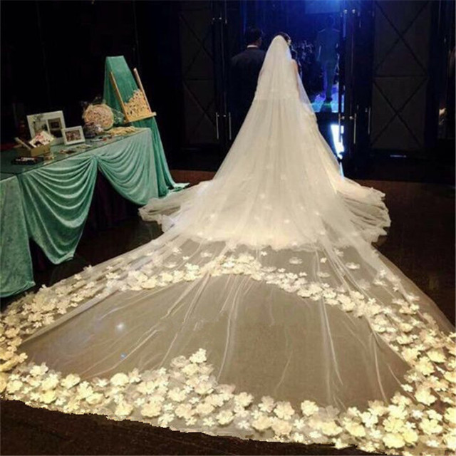 High-End New 3M Cathedral Long Wedding Veils Special petal Edge Bridal Veil with Comb Wedding Accessories Bride Wedding Veil