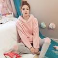 2017 Senhoras de Inverno Com Capuz Pijamas Pijamas noite das meninas Homewear Conjuntos de Pijama Rosa Para As Mulheres Coral Fleece Espessamento Camisola