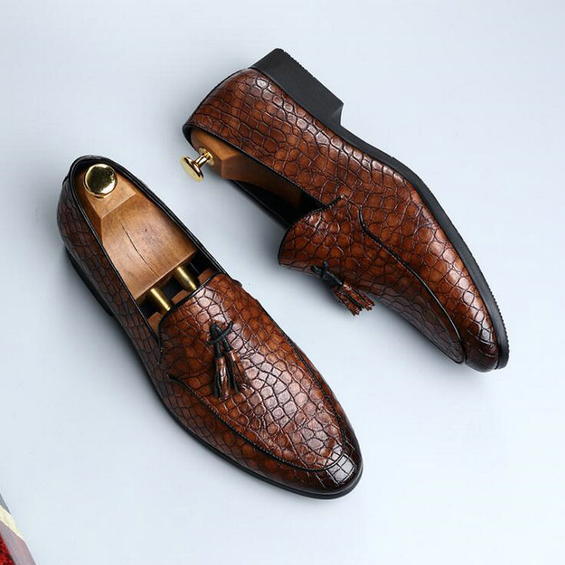 Men  Pointed Toe Casual Wedding Party Dress Shoes plus big size 47 Male loafers Crocodile pattern Formal Shoes  LM-71Men  Pointed Toe Casual Wedding Party Dress Shoes plus big size 47 Male loafers Crocodile pattern Formal Shoes  LM-71