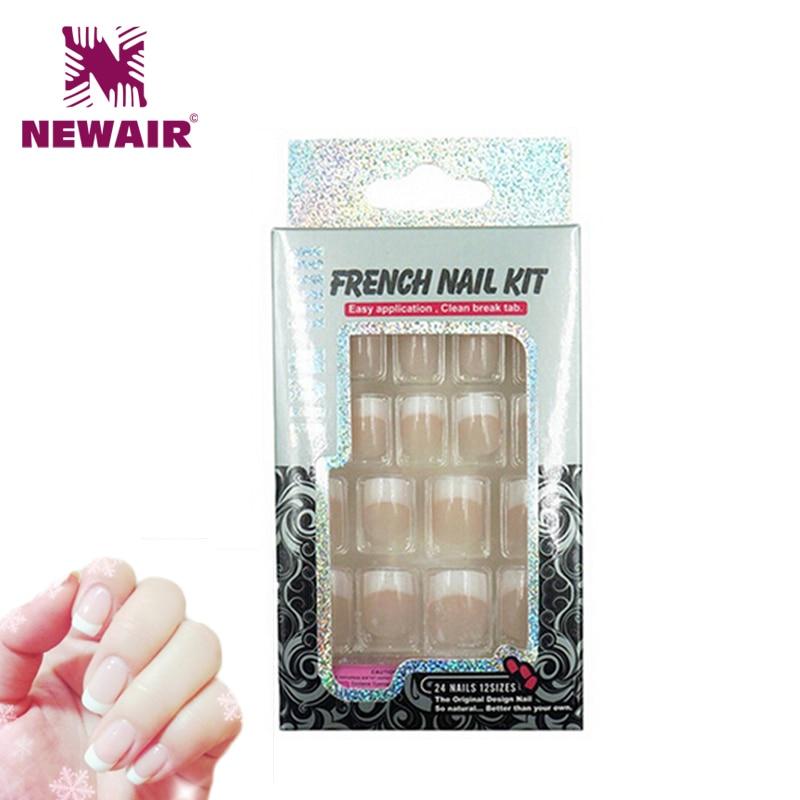 Ranskalainen manikyyri Fake Nails koristeltu väärät kynnet - Kynsitaide - Valokuva 1