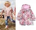 Дети/дети/детские/девушки цветочный куртка, ветрозащитный/водонепроницаемый траншеи, весна/осень куртка ж флисовой подкладкой, 9 М до 5Y