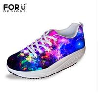Forudesignsカジュアルプラットフォーム女性靴、銀河慰安婦ウェッジスイング靴
