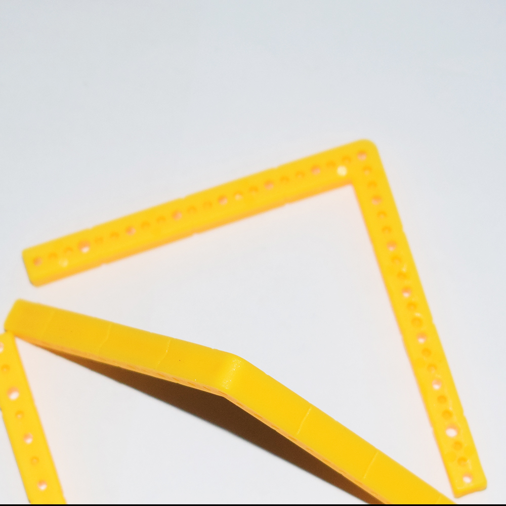 5pcs L shaped plastic strips at right angles / axis frame / chassis ...
