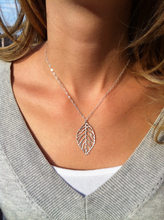 2018 Hot Fashion Jewelry Simple And Natural Forest Metal Leaves Pendants Necklace Chokers Necklaces For Women Jewelry(China)