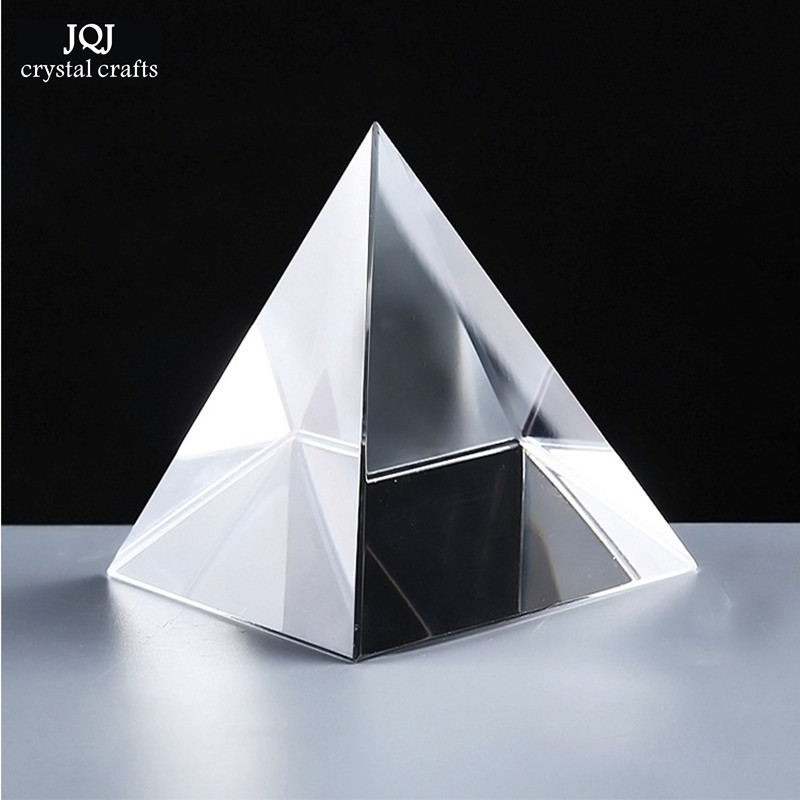 6CM K9 AAA Quartz Crystal Glass Pyramid Paperweight Natursten og Mineral Krystaller Fengshui Figur til Home Office Decor