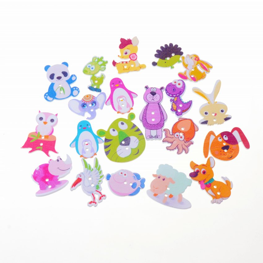 Lovglisten 200pcs Mixed Lovely Cat Bear Monkey Pattern Buttons 2 Holes 15MM Round Wood Buttons for Kids Sewing Crafts