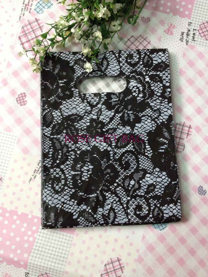 Hotsale 100pcs/lot 15x20cm Black Flower Pattern Plastic Gift Bag Jewelry Gift Snacks Packaging Plastic Shopping Bags With Handle