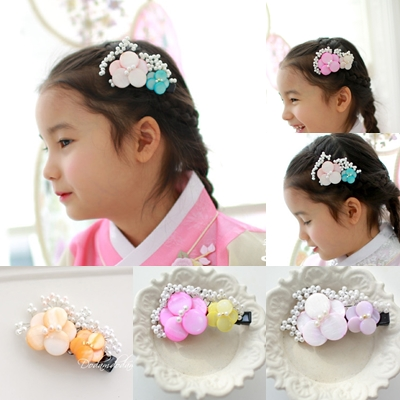 Imported Korea Hair Combs Resin Flower Pearl Beads Little Girl s Cute Sweet Side Hair Combs