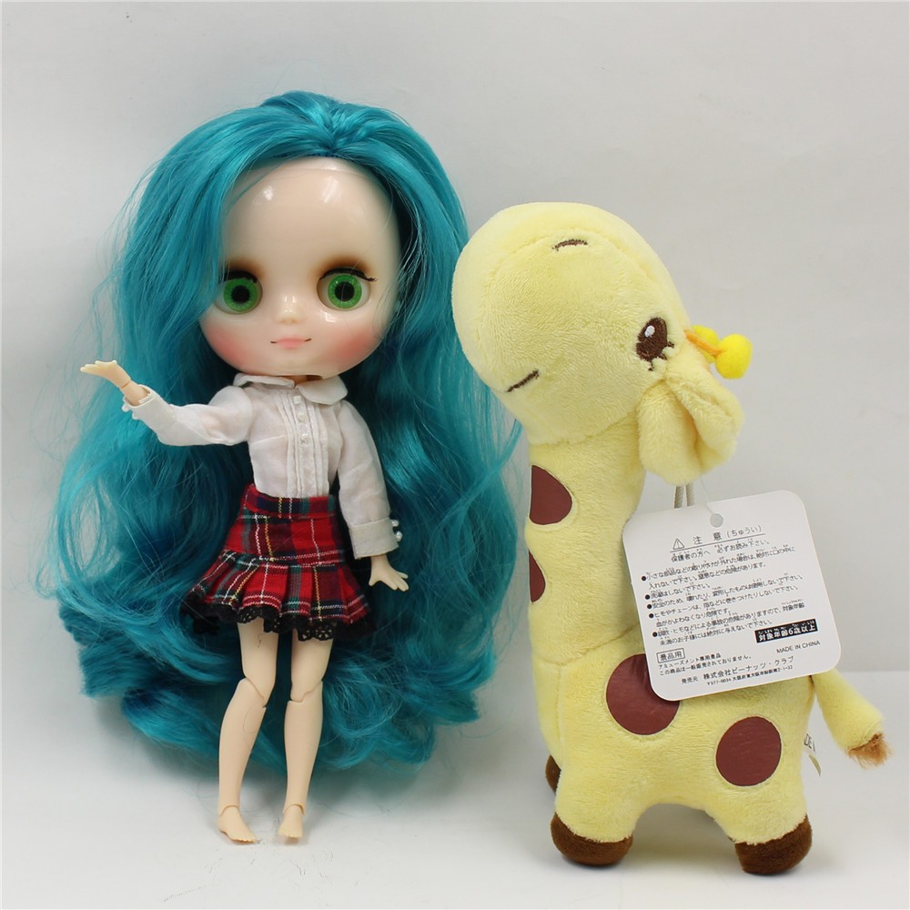 Middie Blythe Doll with Turquoise Hair, Tilting-Head & Jointed Body 1