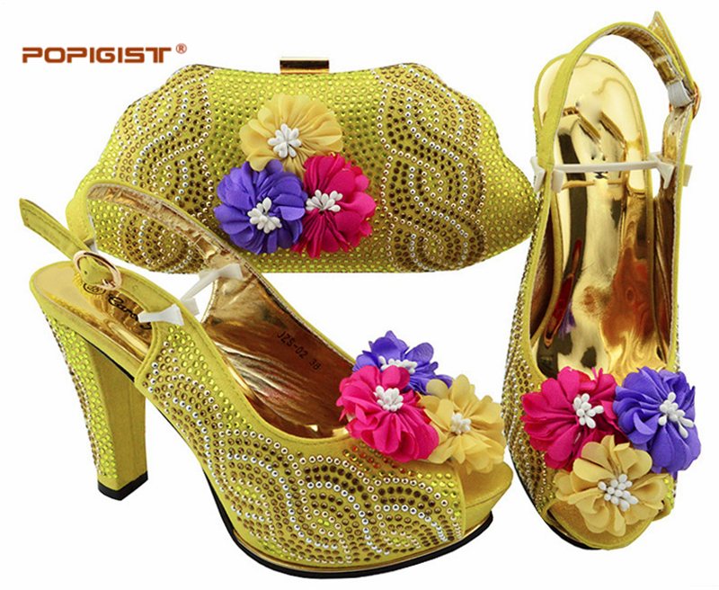 Avec Italien Et purple Bleu as 2018 Africaine Mode Pour red D Picture Chaude La yellow Assorti Partie Femmes Ensemble Vente D Chaussures blue Sac aWAdSZqq1