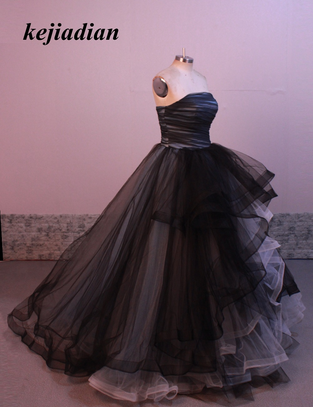 Black White Gothic Mother of the Bride Dresses Princess Winter Ball ...