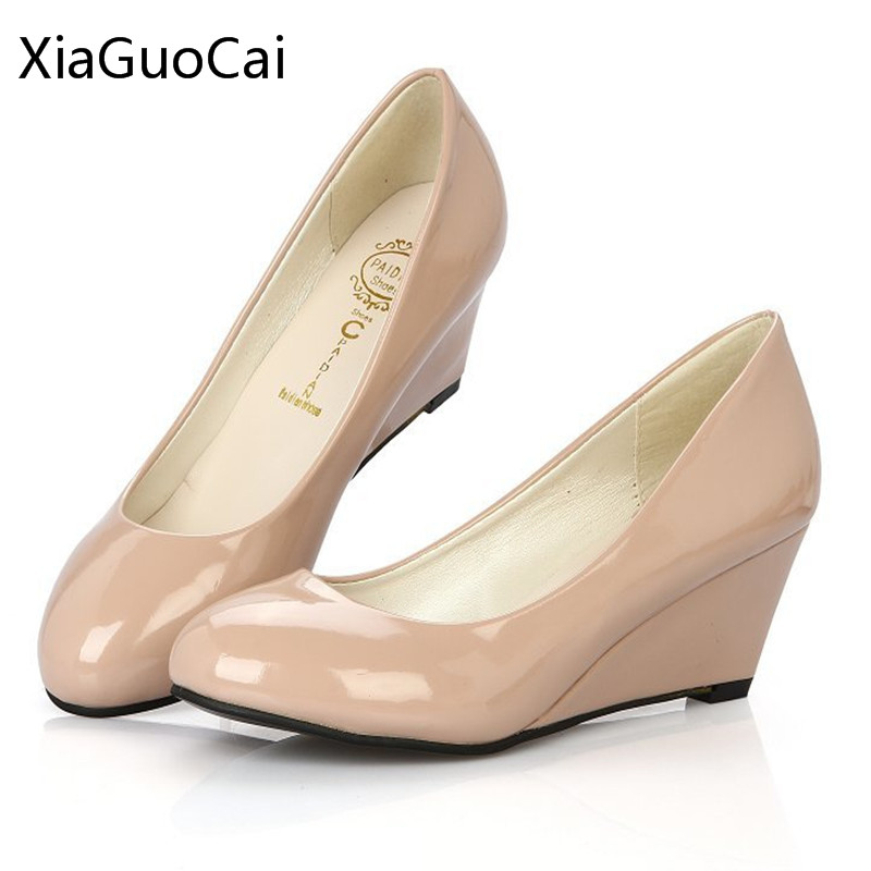 Newest Style Nurse Shoes Wedges Fashion Nude Women Pumps Non-slip Rubber Outsoles Round Toe High Heels Pumps D68 35 2017 shoes women med heels tassel slip on women pumps solid round toe high quality loafers preppy style lady casual shoes 17