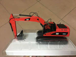 Special color! Norscot 55215 Caterpillar Cat 323D L Hydraulic Excavator Red 1/50(China)