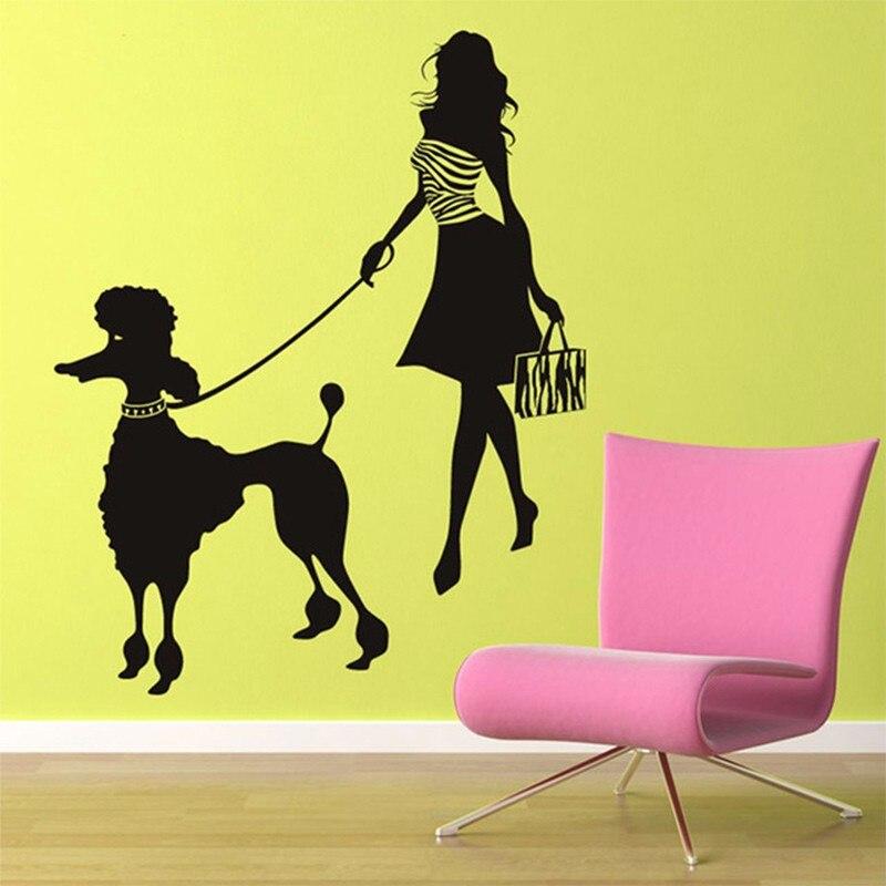 Nouveauté mode dame personnalisé moderne fille et caniche Sticker mural caniche Sticker mural Art chien Stickers muraux décor à la maison mural