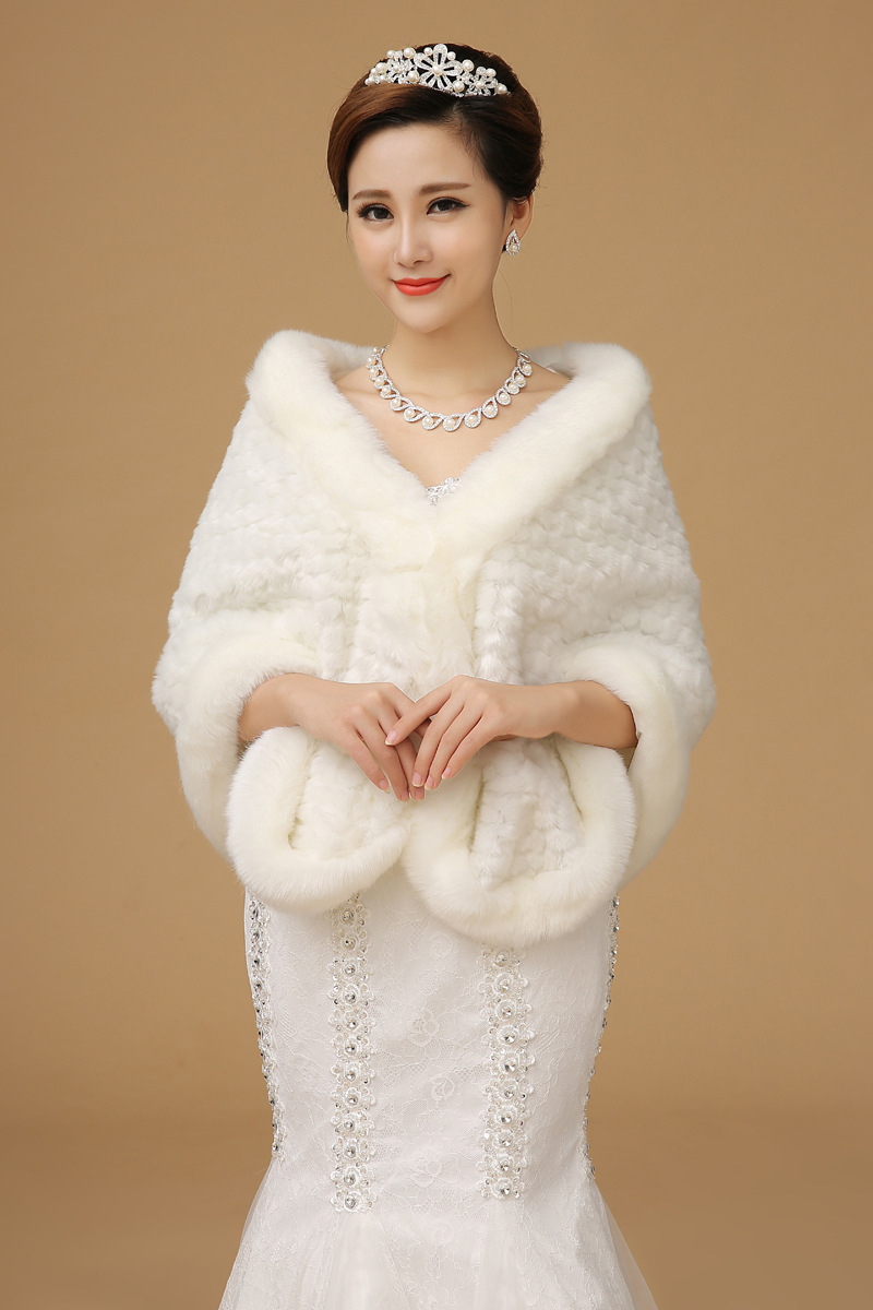 2017 Newest Bridal Faux Fur Wraps Cape Wedding Dress Accessories Shawl Bride Winter Warm White Coat Jacket Shrugs Whole In Jackets Wrap From