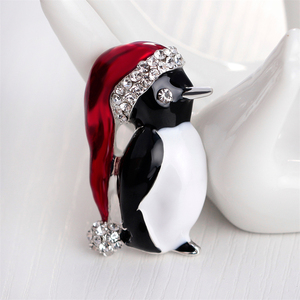 Lovely Penguin Brooches Christmas Gifts Enamel Rhinestones Ball Red Hat Penguin Christmas Brooch for the New Year(China)