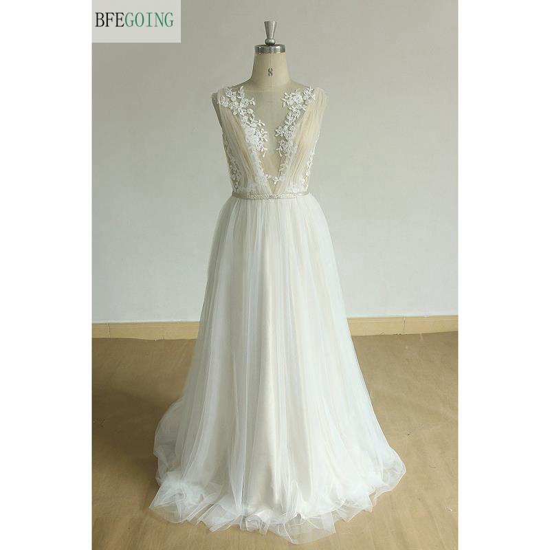 Ivory Tulle  Applique Lace  Floor-Length V-Neck  Backless A-line Wedding Dresses Court Train  Sleeveless  Backless