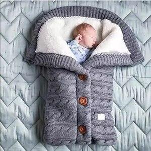 Image 3 - دافئ الطفل كيس النوم Footmuff الرضع زر متماسكة قماط القطن الحياكة المغلف الوليد سويب التفاف عربة اكسسوارات