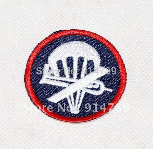 WWII WW2 US AIRBORNE PARATROOPER GARRISON CAP BADGE INSIGNIA -31924