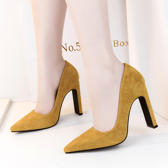 2019 Size Women 10cm Block High Heels Bridal Scarpin Valentine Pumps Ladies Pointed Toe Red Black khaki Plaza Heels Female Shoes
