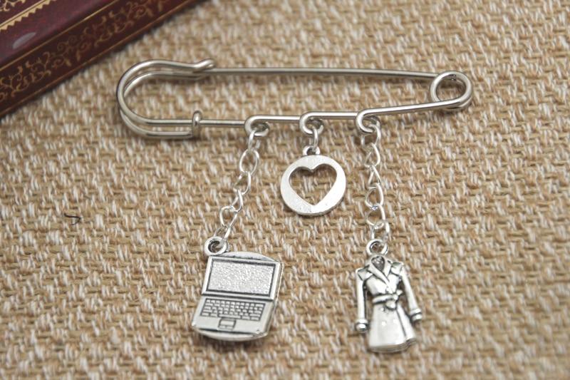12pcs Sherlock inspired Johnlock themed charm kilt pin brooch (38mm)
