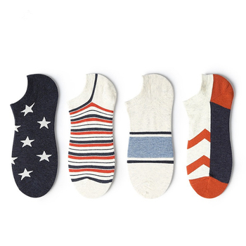 цена Men's Summer Cotton Boat Socks Japanese Harajuku Original Personality Stripes Stars Mosaic Color Print Casual Invisible Socks онлайн в 2017 году
