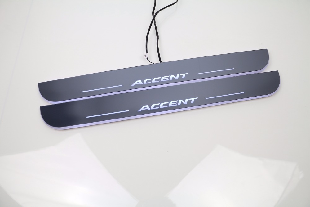 ФОТО eOsuns LED moving door scuff Nerf Bars & Running Boards door sill for Hyundai accent, moving light