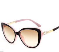 New Manufacturers Wholesa Sunglasses Women Fashion Sunglasses Cat Eye Wild Glasses Europe And The United States