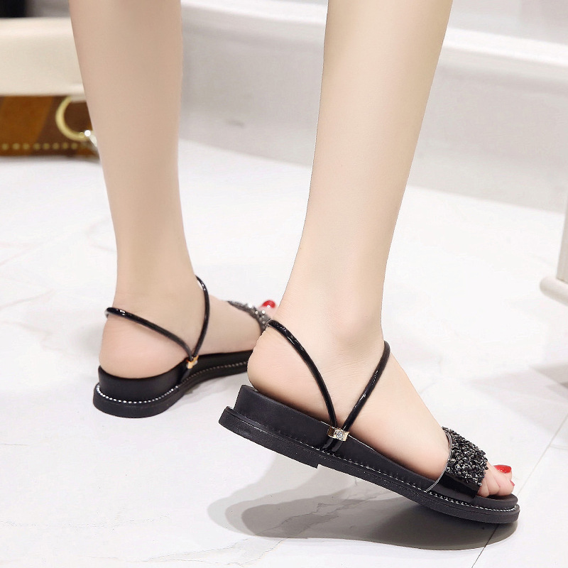 Korean version of the sandals 2019 summer new women's shoes wild flat fashion rhinestone college wind flat with sandals women(China)