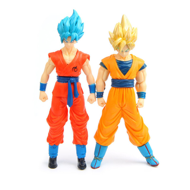 Dragon ball Z Super Saiyan Goku / Vegeta figures