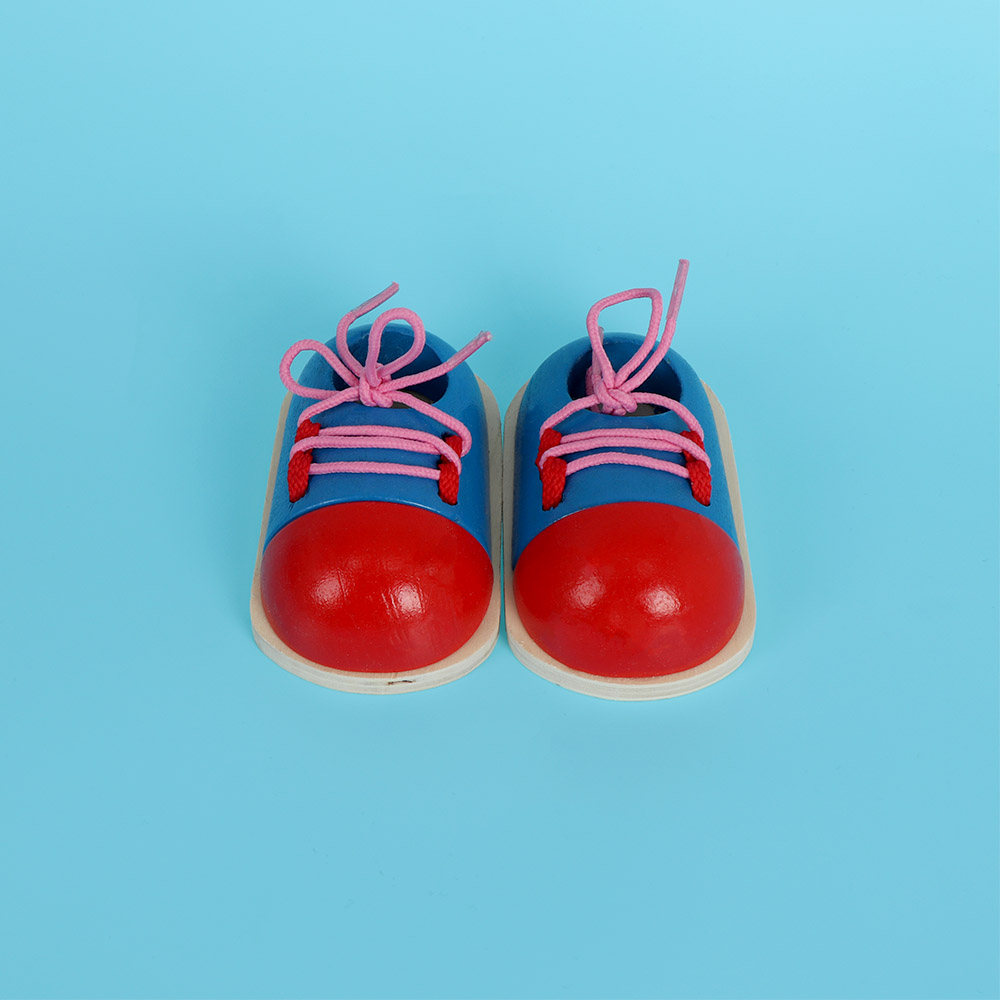 Hot Sale 1pc Kids Cute Wooden Shoes Toys Children Learing Lacing Shoes Toy Kids Fastening Shoelaces Early Teaching Tie Shoelaces Shoes Home