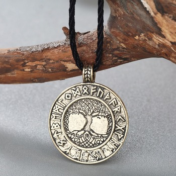 Collier nordique Vikings Runes 2